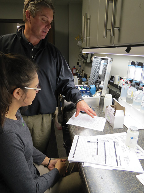John Pulte overseeing the lab at Earthwise Environmental.
